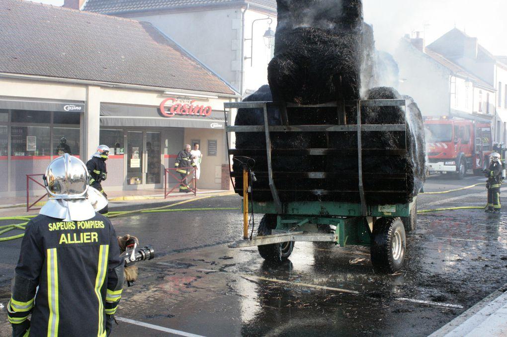 La paille en feu dans le bourg