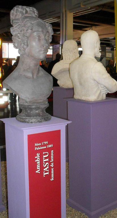 """Amable Tastu au milieu des """"Grandeurs figées"""" de Metz (clichés de portable , foire exposition , 2014)"""