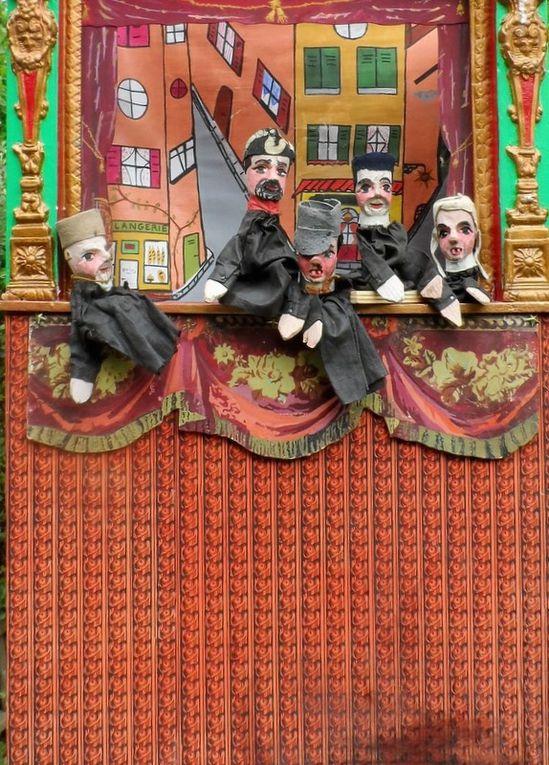 Photos faites ce matin à la récéption des marionnettes.