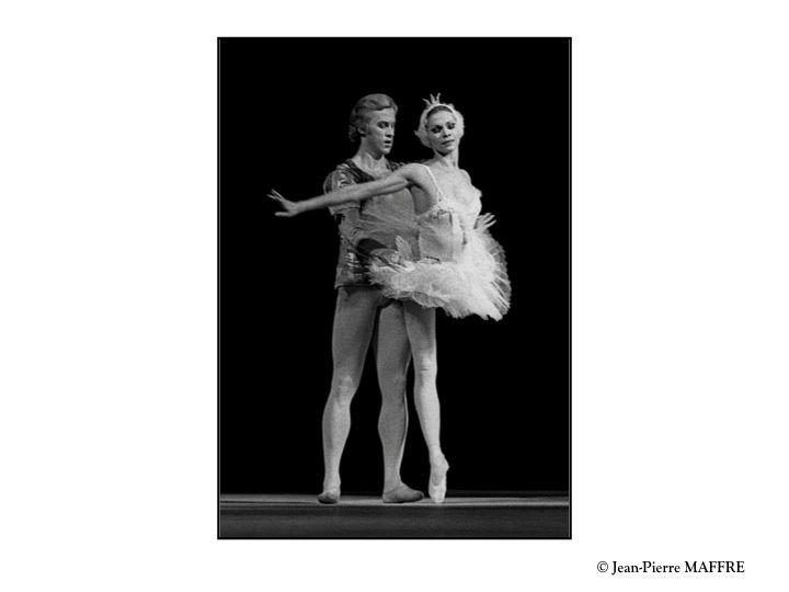 Une troupe prestigieux de danseurs qui nous ravissent toujours par la beauté de leurs costumes et la grâce de leur gestuelle.