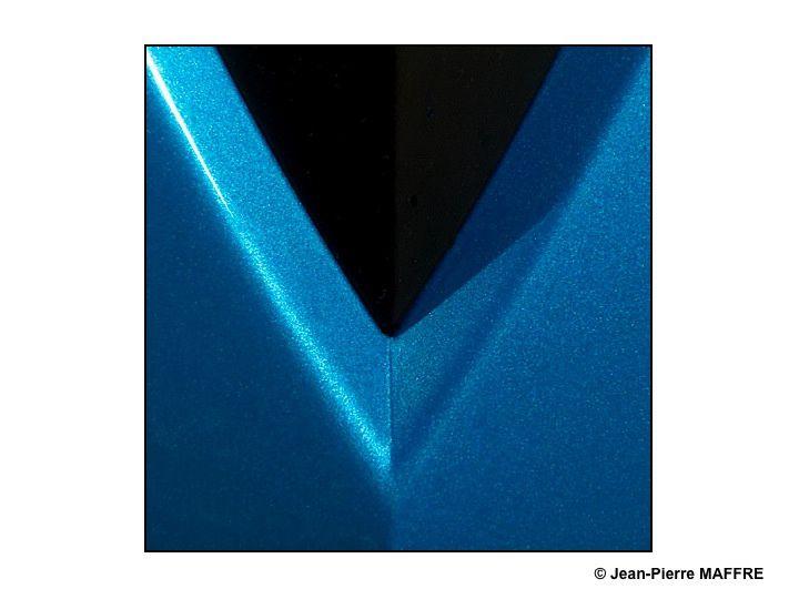 Les gros plans permettent de faire oublier la nature des choses en transformant les objets en tableaux abstraits.