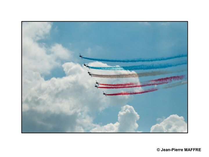 Comme le montre ce diaporama, les avions m'ont toujours fasciné. J'aime leur association avec les nuages et les effets de lumière sur leur carlingue.