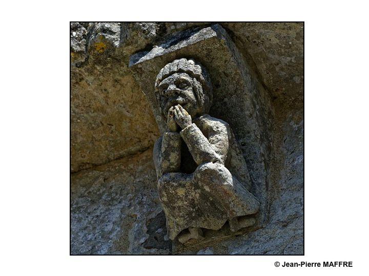 """Les églises romanes de Gironde et de Saintonge nous étonnent avec leurs modillons licencieux appelés """"Obscénas""""."""