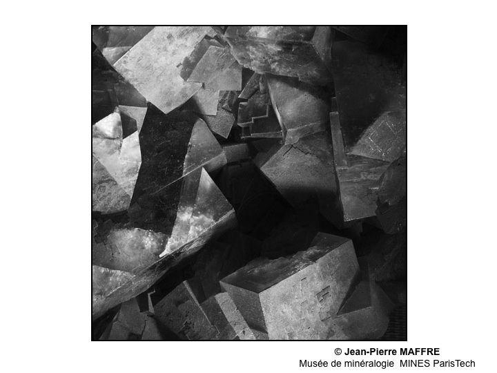 En complement de mon premier album sur les minéraux de l'Ecole des Mines, je vous propose une version en noir et blanc.