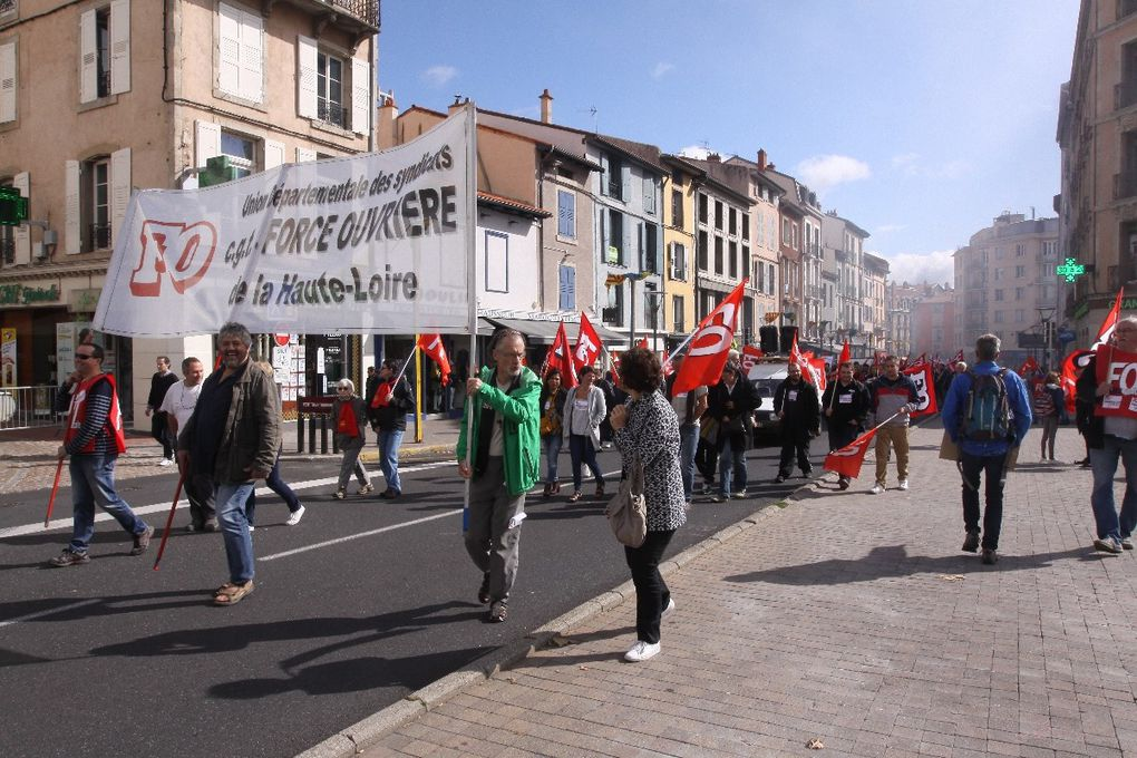 2000 manifestants pour le retrait des ordonnances travail au Puy