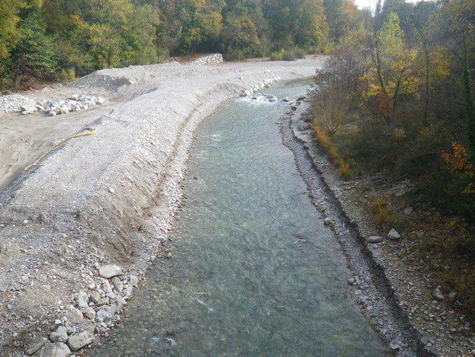 Passe à poisson sur la Drôme au pont des bateliers ( Mirabel et Blacons)