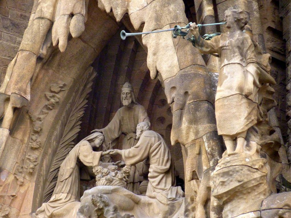 Diaporama : Figures religieuses fondues dans un décor où les animaux et la végétation tiennent une place prépondérante (avril 2015, images personnelles)