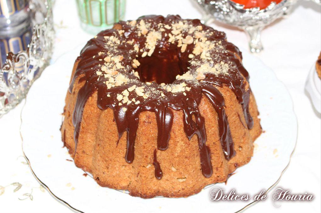 Bundt cake au beurre de cacahuète, banane et Nutella