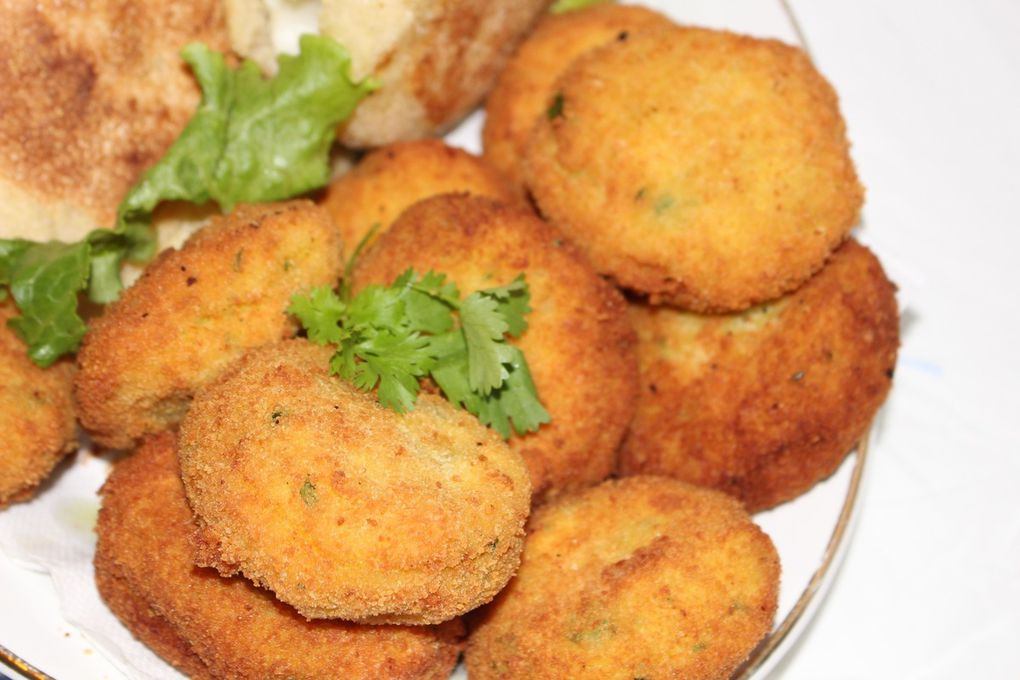 Maakouda fourré au fromage &amp&#x3B; mini batbouts