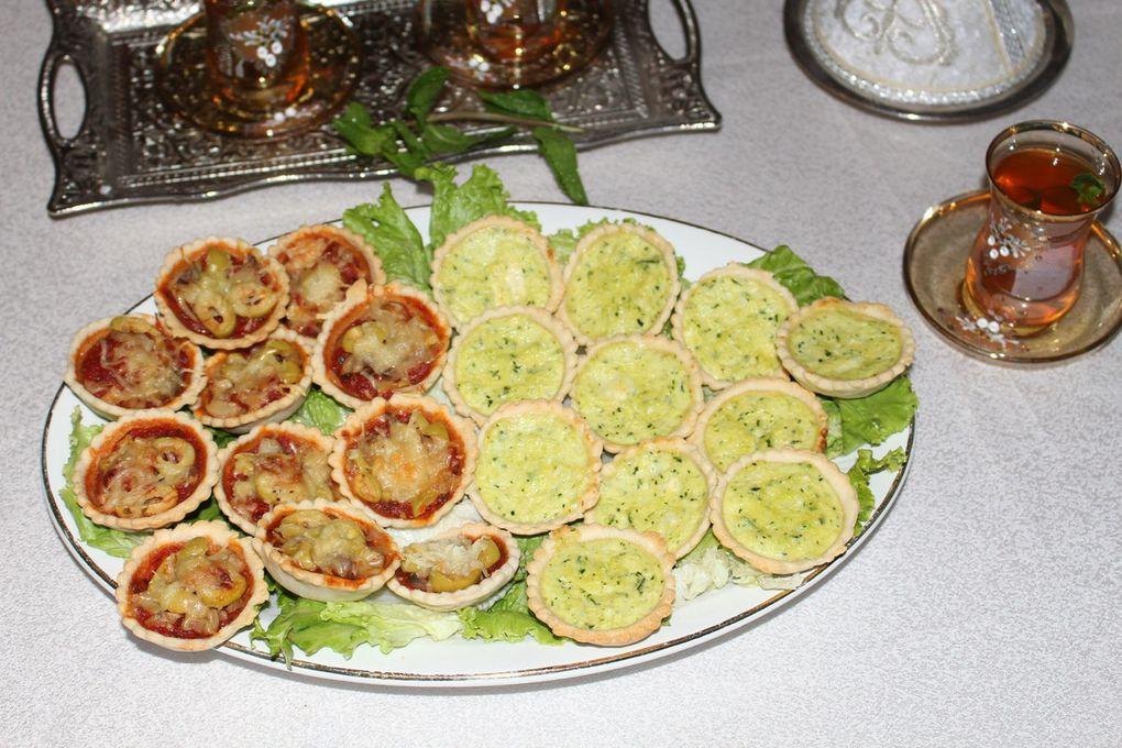 Mini pizzas &amp&#x3B; Mini quiches aux courgettes et chèvre