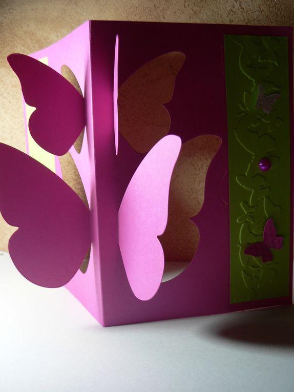 carte scrapbooking envolée de papillons couleurs de printemps