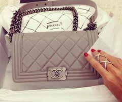 Les Vêtements Chanel