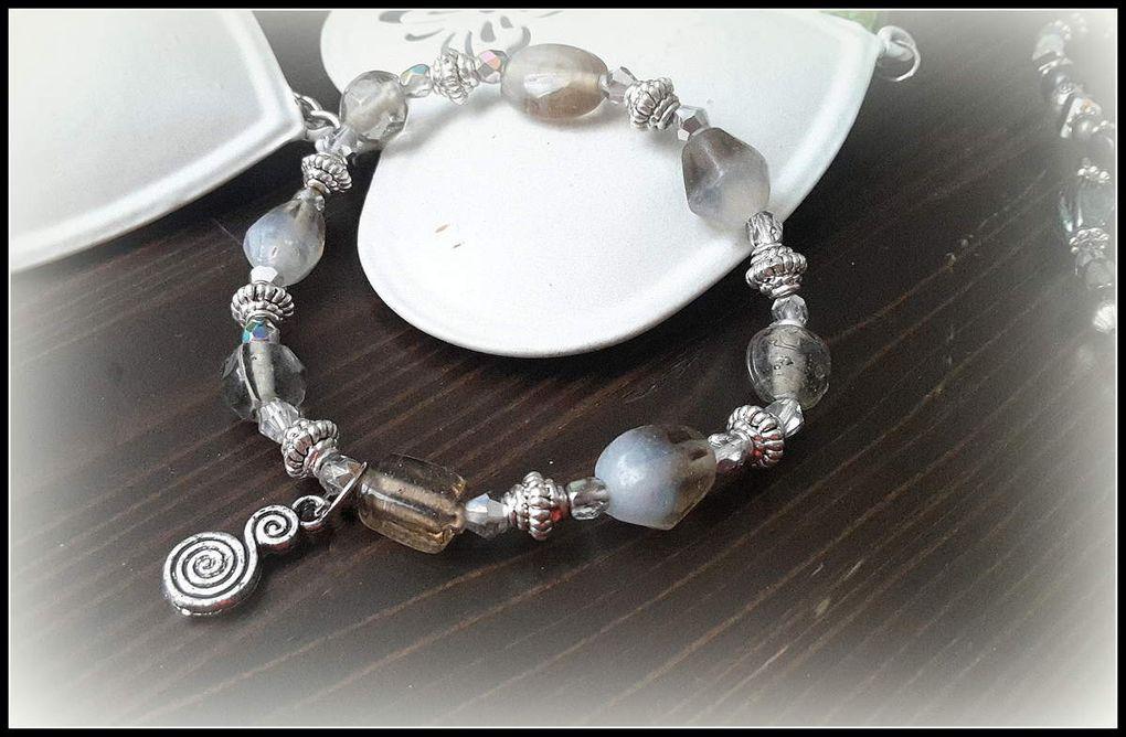 Bracelets perles naturelles , sur élastique ou sur câble , collection trés colorée