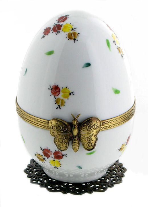 Oeufs musicaux de style Fabergé fabriqués en France.