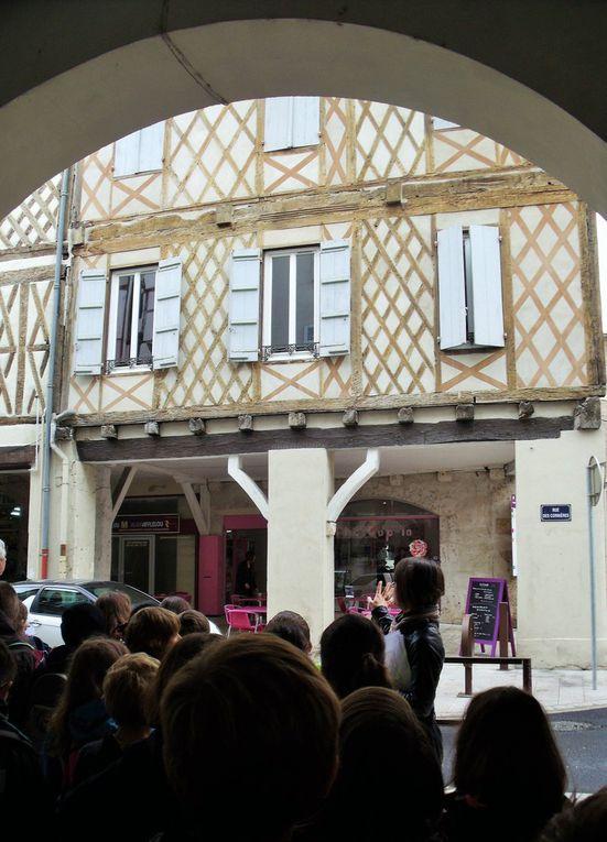 Dans le quartier de la Cathédrale et des Cornières, nous comprenons mieux la ville du Moyen Age