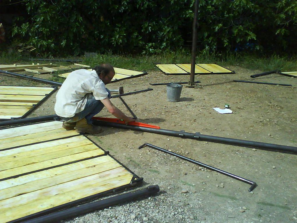 Première étape de la construction de la structure...
