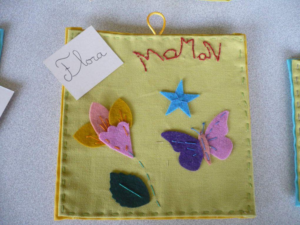le même ouvrage proposé à des enfants de CE1. Pour chacun d'entre eux la couture est une découverte.