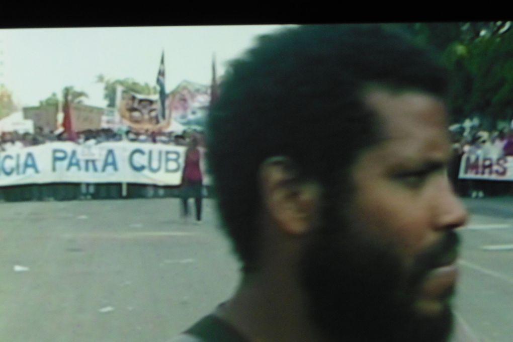 """Une stratégie de désobéissance d'un homme seul à Cuba : Raychel Carrion Jaime """"Fallas de origen"""" (2007)"""