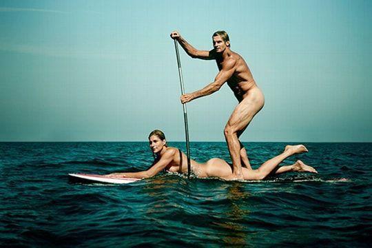 VIDEO - surfer nue, une nouvelle tendance, pour faire le buzz ??