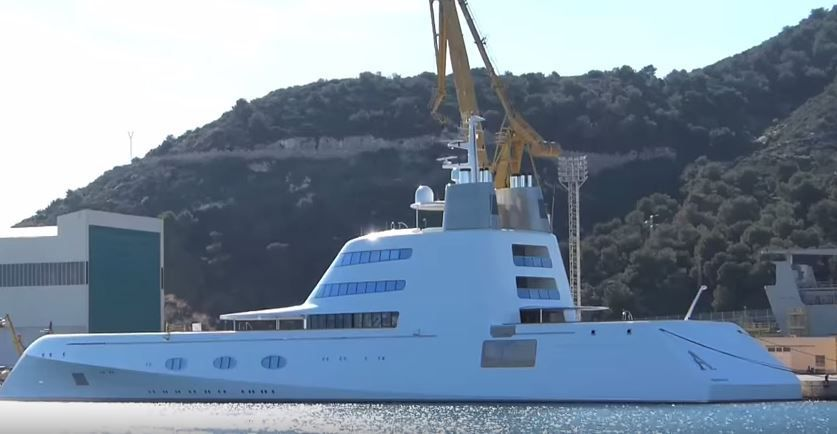 Video d couverte de l 39 int rieur d 39 un super yacht de 270 millions d - Photo interieur yacht de luxe ...