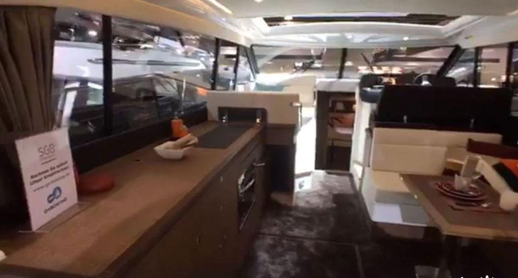 Vidéo en direct du BOOT - visite privée du Jeanneau NC 14