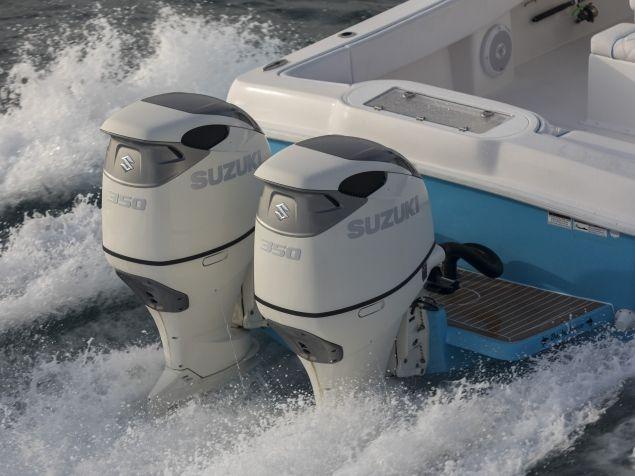350cv, le nouveau moteur hors-bord V6 DF350A de Suzuki Marine à 2 hélices en contre-rotation