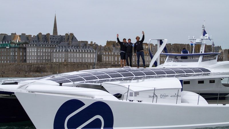 Le catamaran Energy Observer en route vers Paris !
