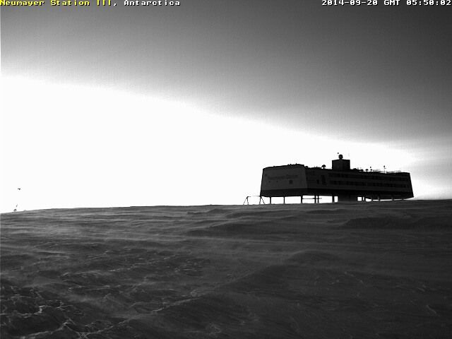 webcam Neumayer STATION et PALAOA lever de SOLEIL