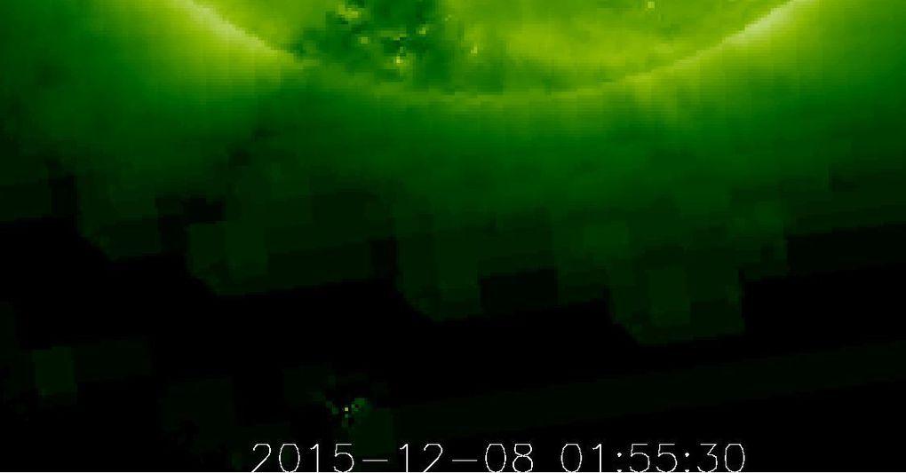 8 décembre 2015 une comète plonge vers le soleil et se vaporise pendant que des ovnis observent la scène