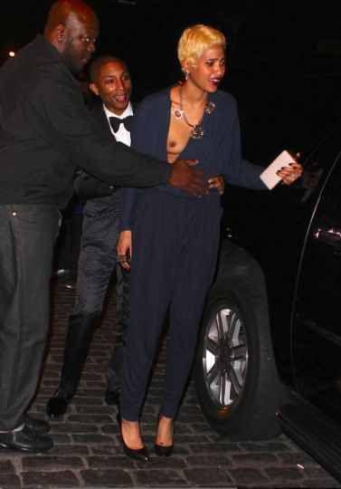 50 Photos et 10 vidéos des Stars qui ont perdu leur robe