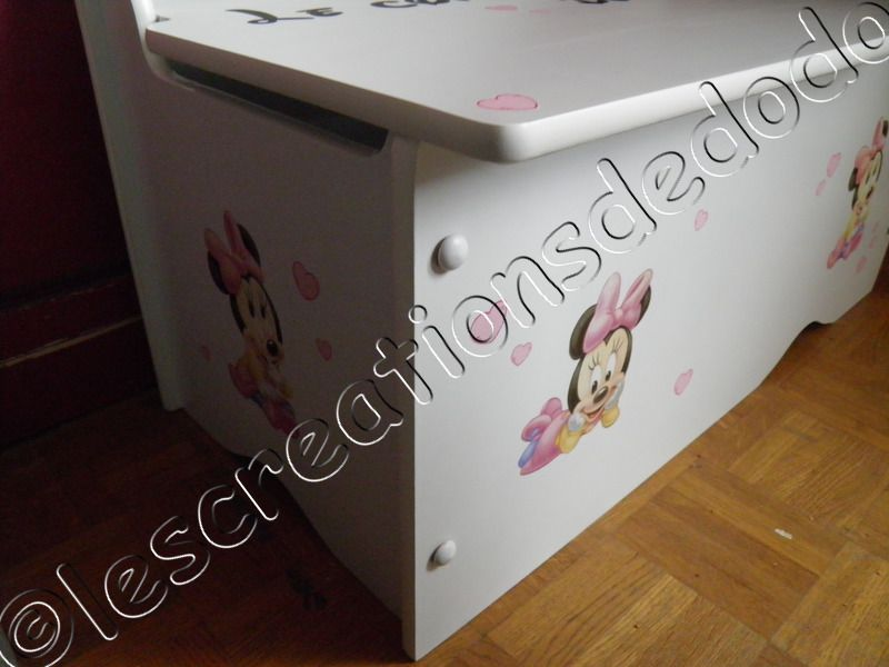 coffre jouets minnie b b le blog de aupaysdesmerveilles89. Black Bedroom Furniture Sets. Home Design Ideas