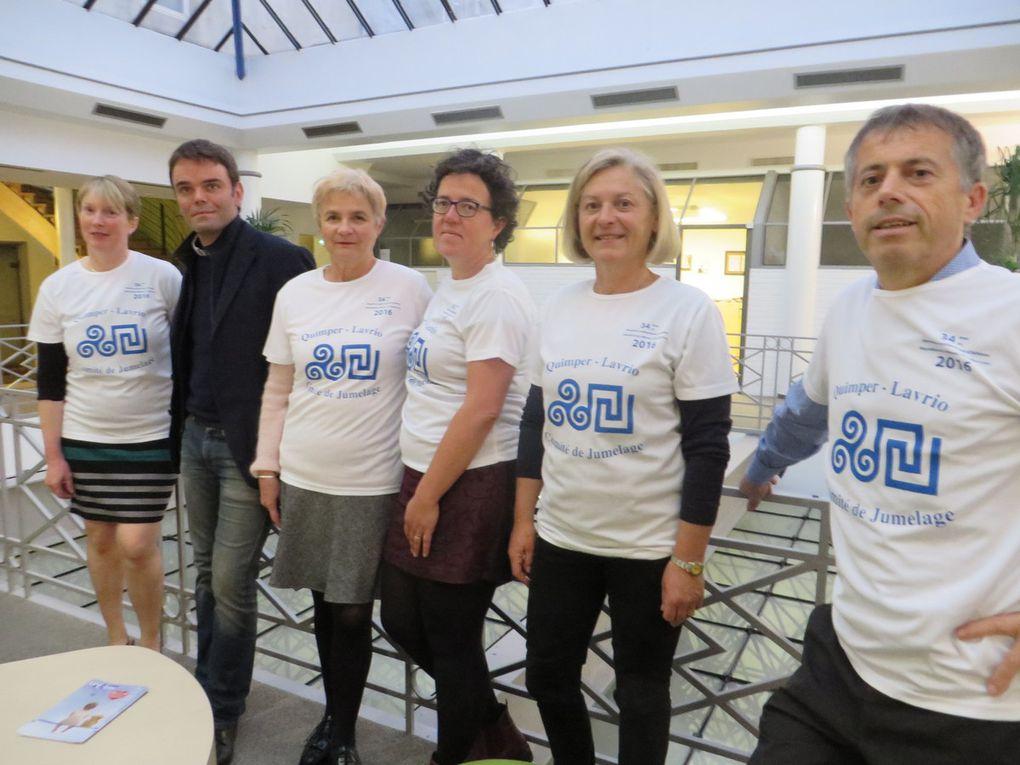 Annie, Françoise, Corinne, Christine et Michel, avec Thomas Couturier, conseiller municipal délégué aux jumelages.