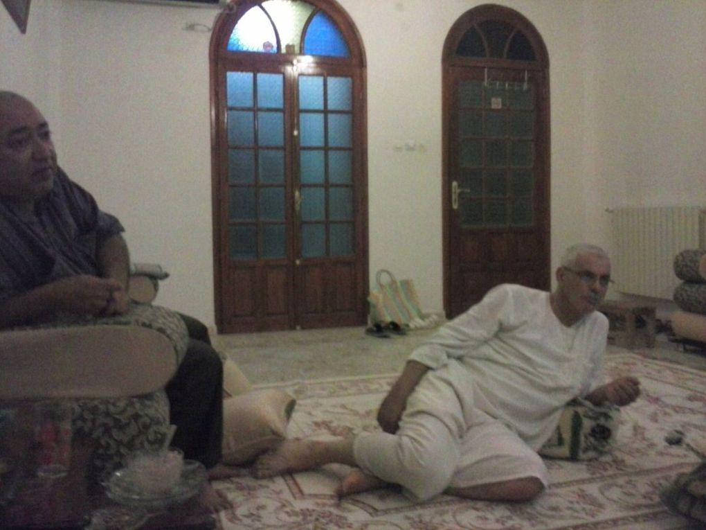 """Photos des anciens du lycée """"El Ghazali"""" ,une amitié qui a résisté au temps et aux remous de la vie."""