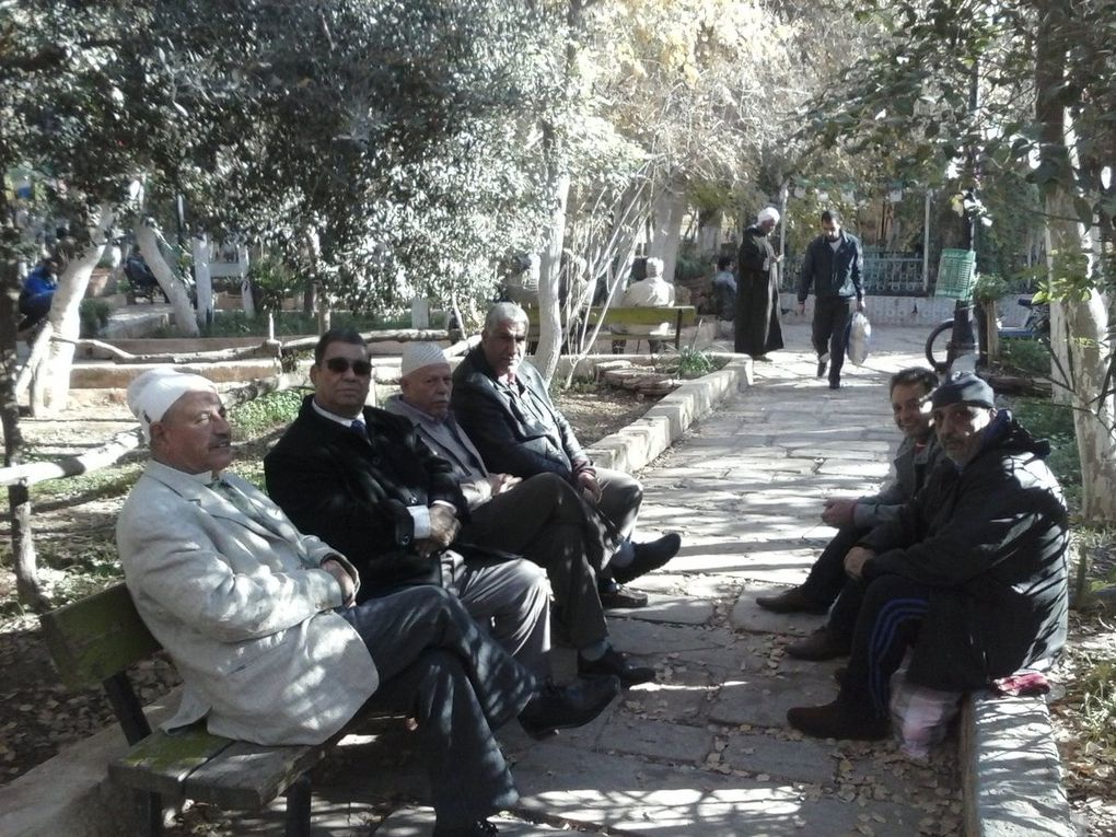 Sur les photos apparaissent Hadj Kaddour,Hadj K.Benbahaz,Hadj Kouider,Salem Abdelhakem,Omar Marfoua,Amar Bensenouci,Takhi Sayeh et votre serviteur.
