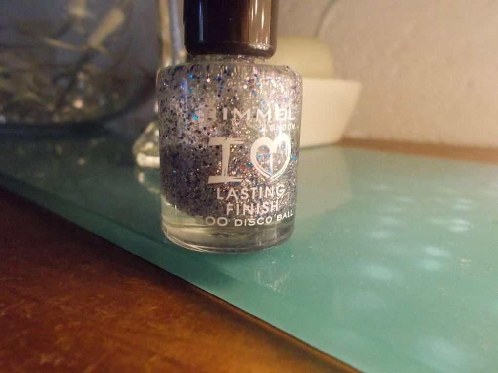 j-4 : Vernis Rimmel &quot&#x3B;500 disco ball&quot&#x3B;