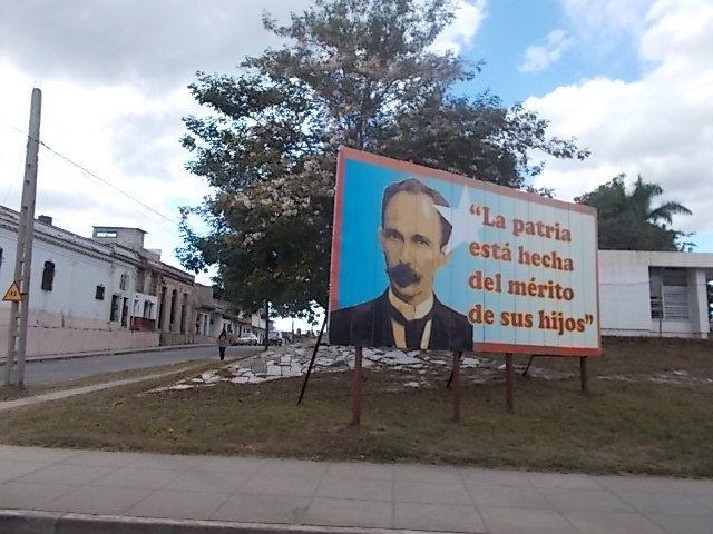 en route en collectivo pour Cienfuegos, en belle americaine, Cienfuegos le Palacio de Valle, le Paseo del Prado,