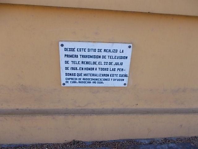 cimetiere , et moncada....les trous de balles d origine....et conserves....c est l hiver a Cuba