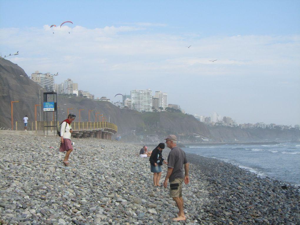 la plage c'est comme à Dieppe ou Etretat, seule la taille des galets diffère.....les photos de Christine