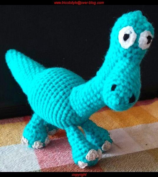 Arlo, le dinosaure au crochet