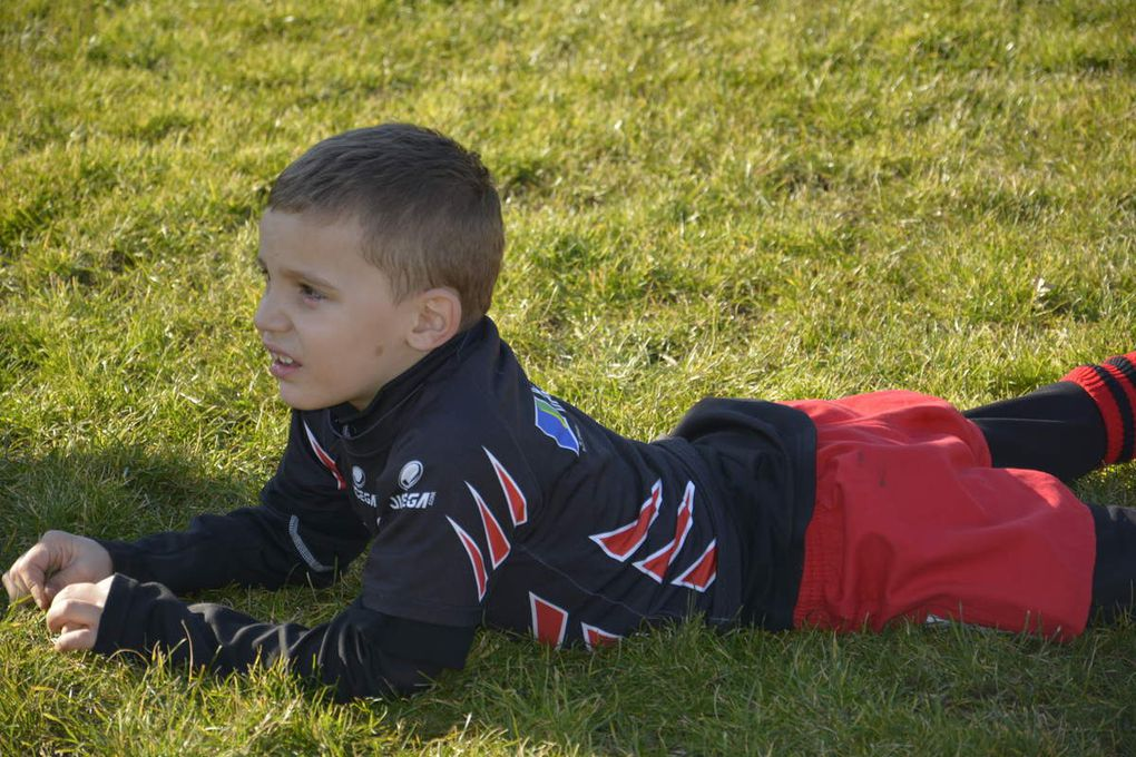 de très belles photographies qui refletent le plaisir qu'ont pris à jouer nos jeunes rugbymen !!!