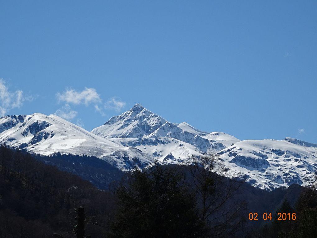Zoom X30 sur le paysage, on voit même les skieurs de randonnée sur une des prises de vue!!