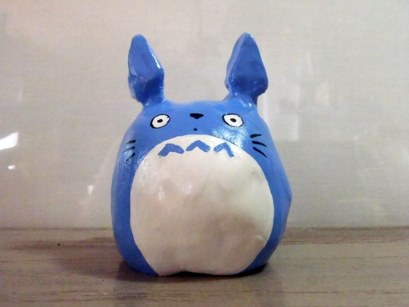Kyoto Totoro - Painted and varnished argile sculpture (around 10-11 cm)