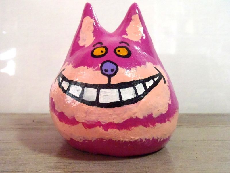 The Cheshire Cat - Painted and varnished argile sculpture (around 9 cm)