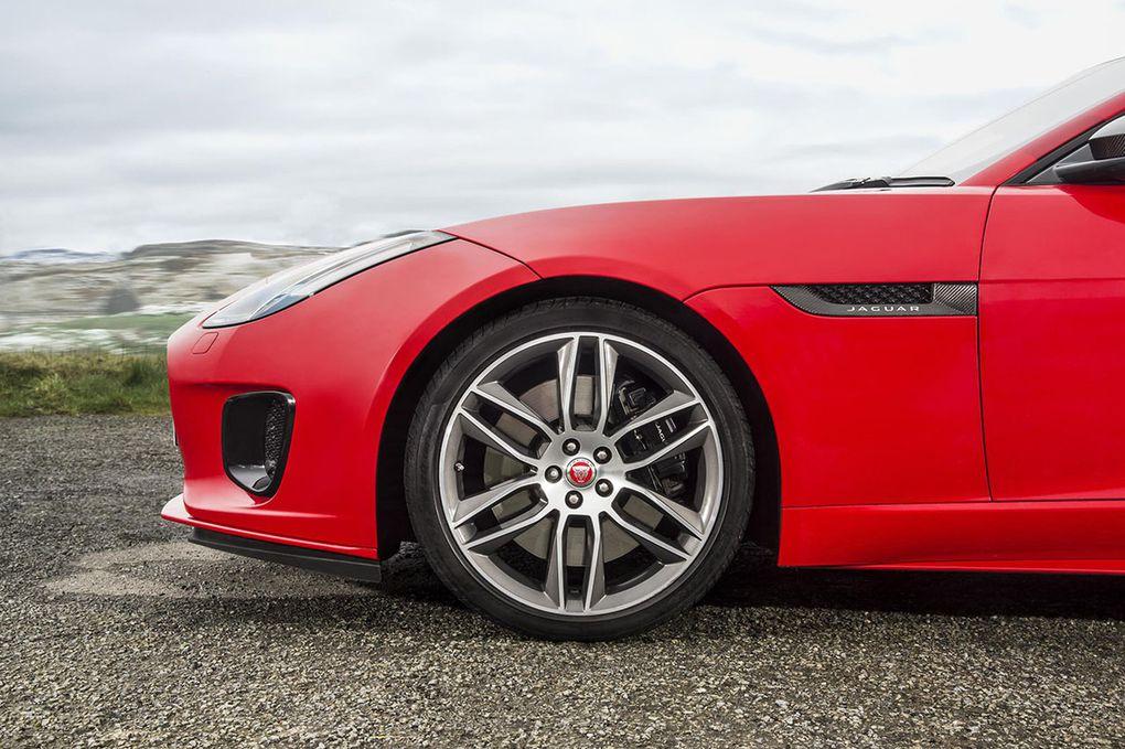 Jaguar F-Type: un petit quatre cylindres et de grosses économies