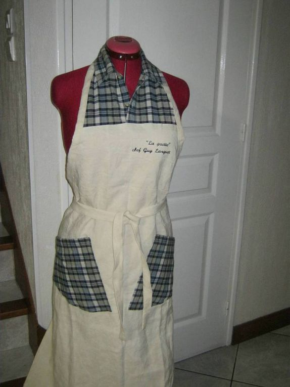 Tablier de cuisine version homme, réalisé en drap et avec une ancienne chemisette