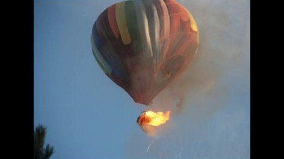 Un globo aerostático con 16 personas a bordo se incendió y cayó a tierra este sábado en Texas (Estados Unidos)  y no habría sobrevivientes, indicaron fuentes oficiales.