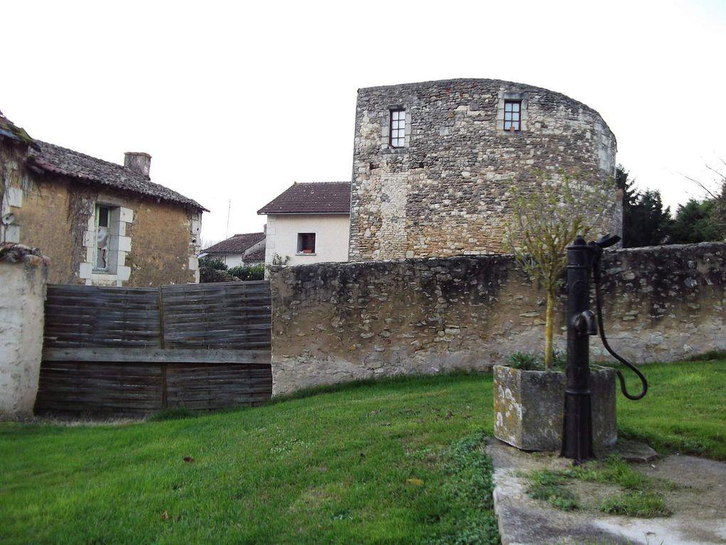 Les douves du château des 7 tours (qui aurait appartenu à Gilles de Rais???)
