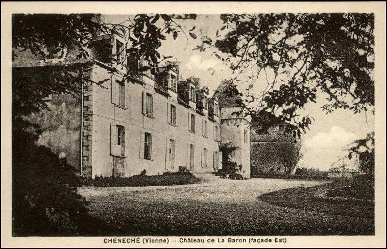 Le château de La Barum, la Mairie et son école