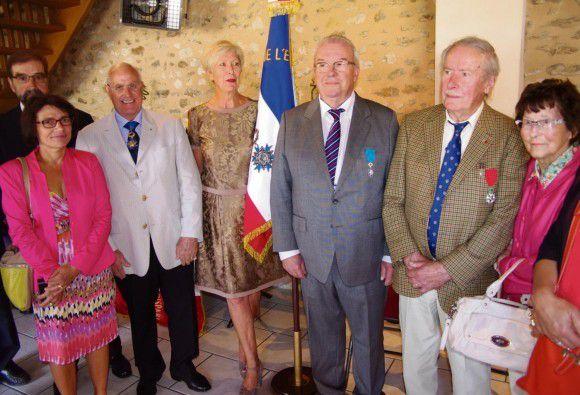 Photos D.R. au centre Jean-Paul Jouachim entouré de son épouse et d'André Biaux.