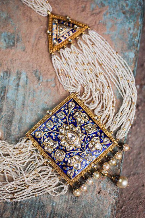 Sunita Shekhawat bijoux technique meenakari.